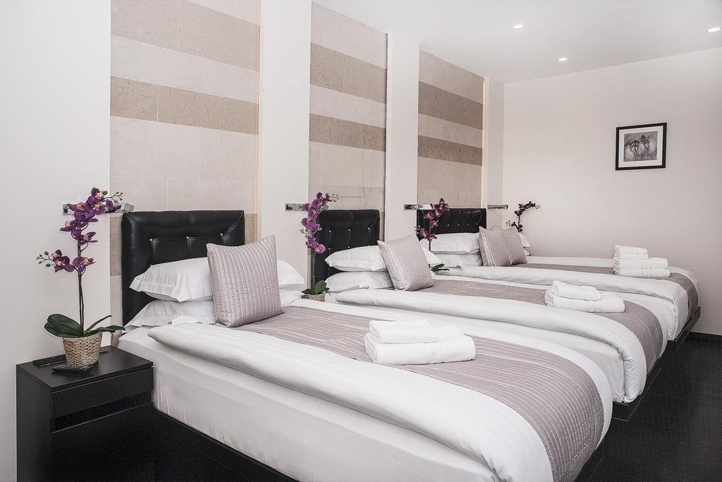 מלון MStay