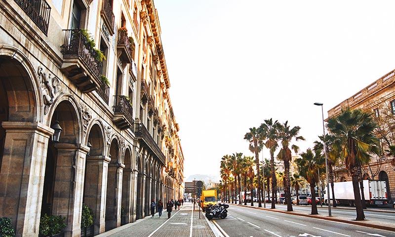 שלושה ימים בברצלונה - אישמפלה