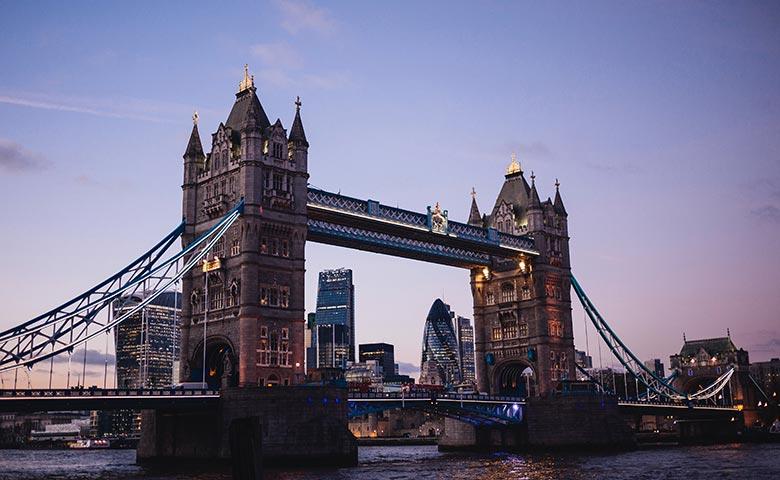לונדון מזווית יהודית - גשר המצודה