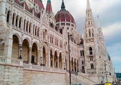 שלושה ימים בבודפשט - הפרלמנט