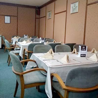מלון כשר בבנסקו - מסעדת little israel בנסקו
