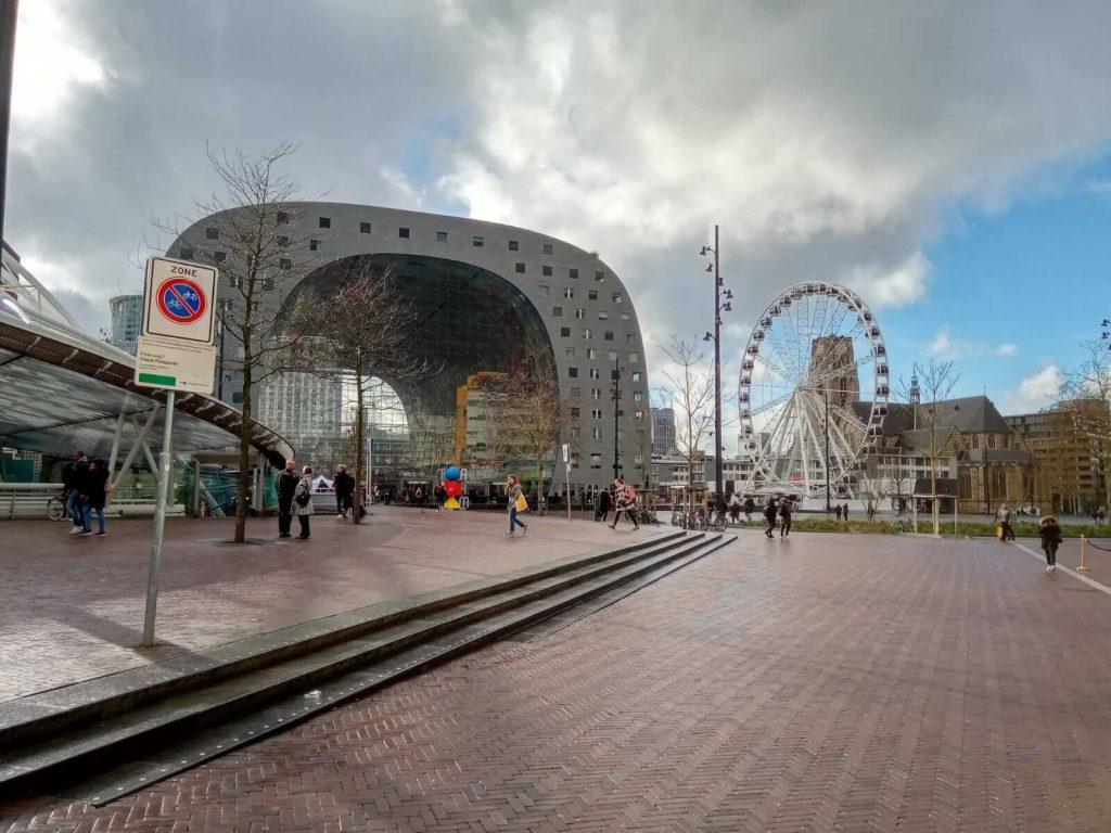 יום ברוטרדם - השוק העירוני והגלגל