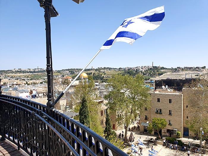 מרפסת בית הכנסת החורבה