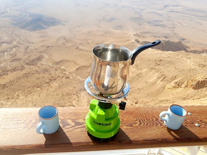 """פק""""ל קפה במצפור המרפסת"""